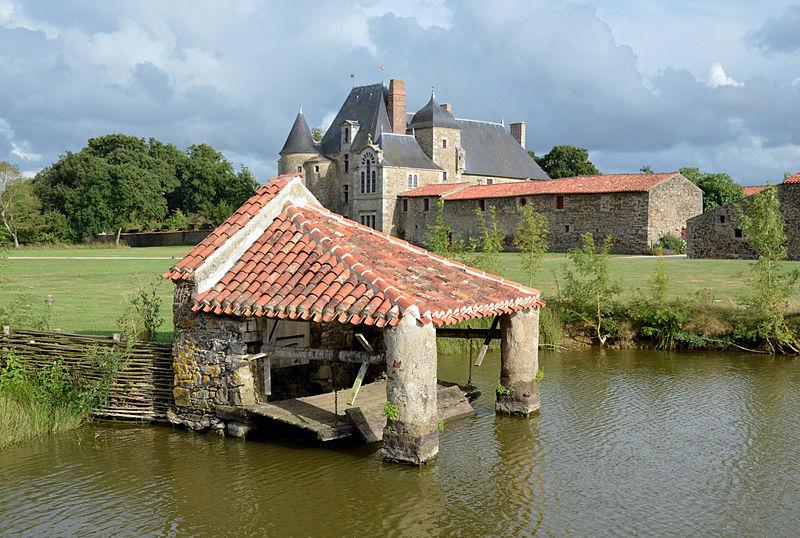 Saint-Sulpice-le-Verdon - Chateau de la Chabotterie 02.jpg