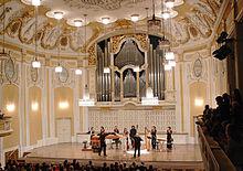 Großer Saal des Mozarteums (Quelle: Wikimedia)