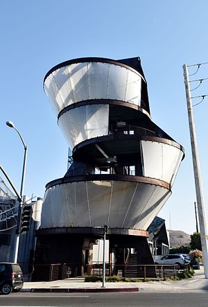 Eric Owen Moss - Samitaur Tower, Culver City, CA