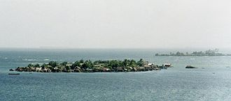 San Blas Islands - Islands entirely covered with dwellings