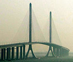 Shanghai Yangtze River Tunnel and Bridge-2.jpg