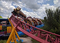 Slinky Dog Dash (29262611338) (cropped).jpg