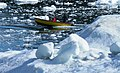 Small boat in the ice - Ilulissat - panoramio.jpg