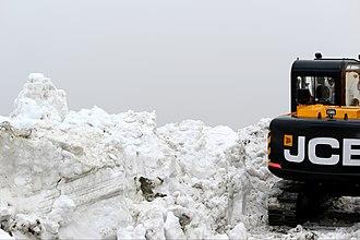 Saach Pass - Image: Snow at saach pass