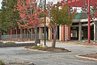 Former shopping mall in Mountain Valley, California