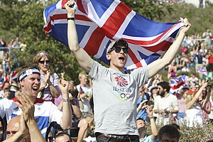 Great Britain at the Olympics - Fans celebrate Andy Murray winning gold, 5 August 2012