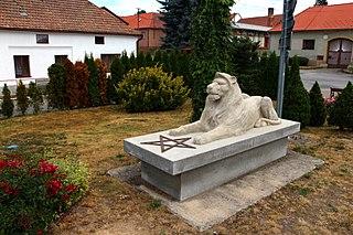 socha lva