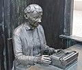 Staty av Astrid Lindgren.jpg
