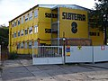 Stavební buňky firmy Subterra u staveniště stanice metra Veleslavín.jpg
