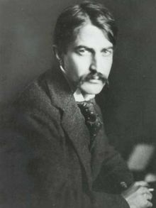 What are examples of realism in Stephen Crane's