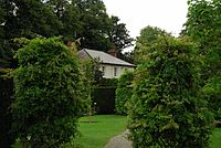 Steward's Lodge W1 2011-03.jpg