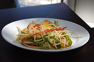 Mung bean sprout - Image: Stir fried Turnip Cake and Bean Sprouts (5204781988)