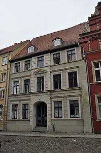 Stralsund, Fährstraße 7 (2012-03-11) 1, by Klugschnacker in Wikipedia.jpg
