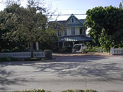 The John and Elizabeth Shaw Sundy House is on the National Register of Historic Places.