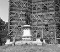 Szent László szobra a székesegyház előtt. Fortepan 29277.jpg