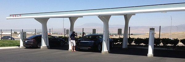 Panoramic view of Tesla Supercharger rapid charging station in Tejon Ranch, California - Tesla Motors