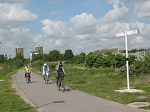 Greenway footpath, London - The Greenway at Stratford Marsh