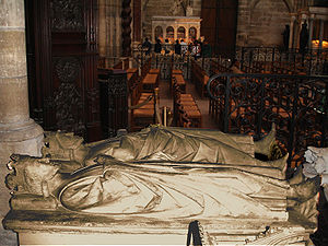 Clovis II - Tomb of Clovis II (foreground) and Charles Martel in Saint Denis Basilica