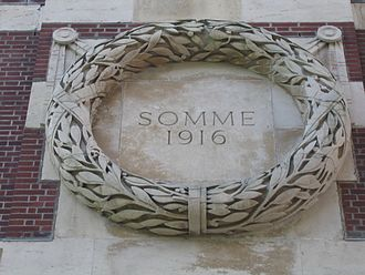 Thiepval Memorial - The 'Somme 1916' roundel