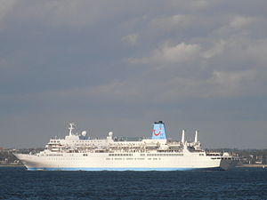 Thomson Spirit departing Tallinn 18 May 2012.JPG