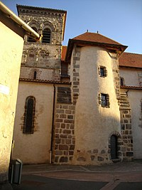Tour médiévale du transept et clochet de l'église romane - panoramio.jpg
