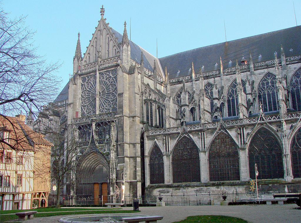 Bon Dimanche 1024px-Transept_Nord_Cath%C3%A9drale_de_Troyes_220208