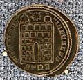 Treviri, costanzo II-cesare, follis, 327-328 dc.JPG