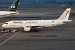 Tunisair, TS-IMN, Airbus A320-211 (24779577885).jpg