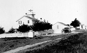 Santa Cruz Surfing Museum - Undated USCG photo of the original lighthouse