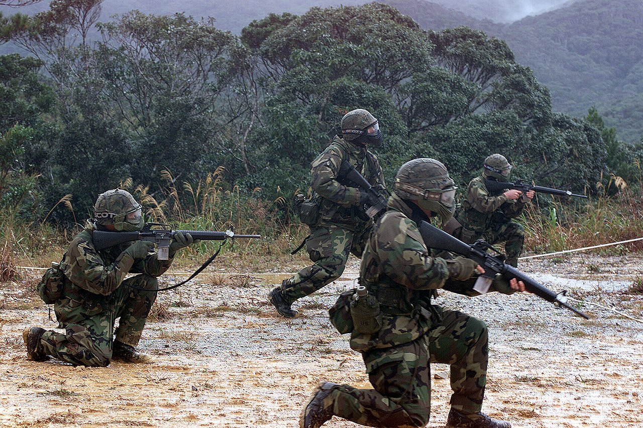 File:US Navy 040209-M-0000L-001 U.S. Marines assigned to ...