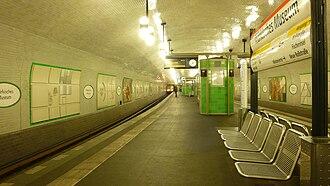 Märkisches Museum (Berlin U-Bahn) - Platform view
