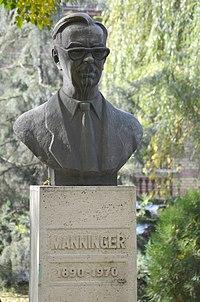 University of Veterinary Science Budapest statues - Rezső Manninger 01.jpg