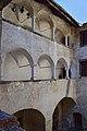 Unterzeiring - Schloss Hanfelden - 03 - Arkaden.jpg