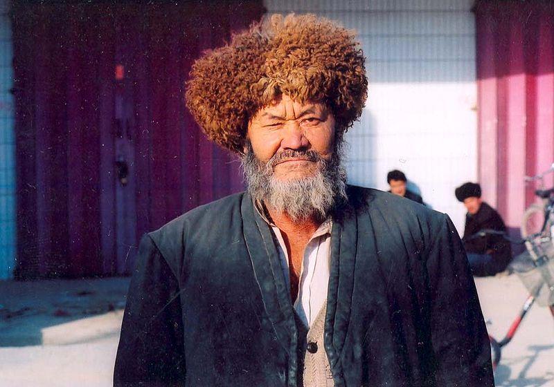 File:Uyghur-hunter-Kashgar.jpg