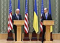 VP Biden and PM Yatsenyuk, Joint Statement, Kyiv, Ukriane, April 22, 2014 (13977923772).jpg