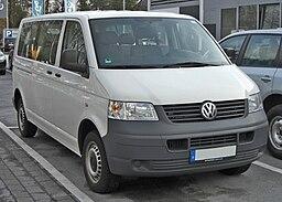 VW Caravelle 20090307 front