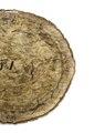 Vaxatpapper på baksidan av broderad medaljong, 1600-tal - Livrustkammaren - 108152.tif
