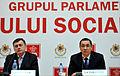 Victor Ponta si Crin Antonescu la prezentarea Strategiei de Dezvoltare a Retelei de Autostrazi 2014-2018 in cadrul Grupurilor parlamentare reunite ale USL (5) (11189006446).jpg
