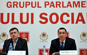 Crin Antonescu - Antonescu and Victor Ponta in 2013