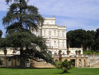 How to get to Villa Doria Pamphilj with public transit - About the place