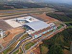 Vista aérea de la nueva terminal del aeropuerto de Santiago de Compostela.jpg