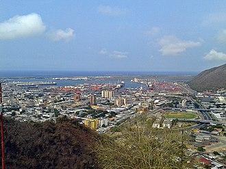 Puerto Cabello - Image: Vista a Puerto Cabello