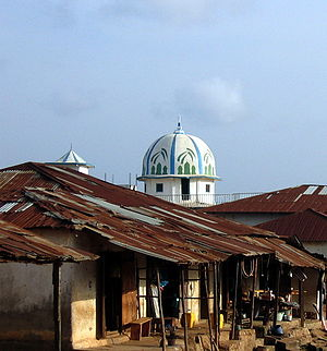 Religion in Liberia - Image: Voinjamamosque
