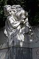 Volksgarten Kaiserin-Elisabeth-Denkmal Wien Brunnen 2a 22-09-2013.jpg