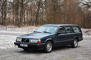 Volvo 940 Estate D 649 Y comp.jpg