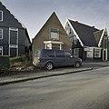 Voorgevel met auto voor erker - Oosthuizen - 20403054 - RCE.jpg