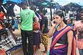Vrouw met mobieltje Sri Lanka.jpg