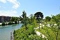 Vue sur les rives d'Empalot et la promenade le long de la Garonne.jpg