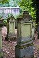 Waibstadt - Jüdischer Friedhof - Neuer Teil Reihe 4 - klassizistischer Grabstein mit Muschel-Relief.jpg