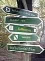 Wegweiser zwischen Kelbra und Kyffhaeuser (Kyffhaeuser-Denkmal 3,0 km).jpg